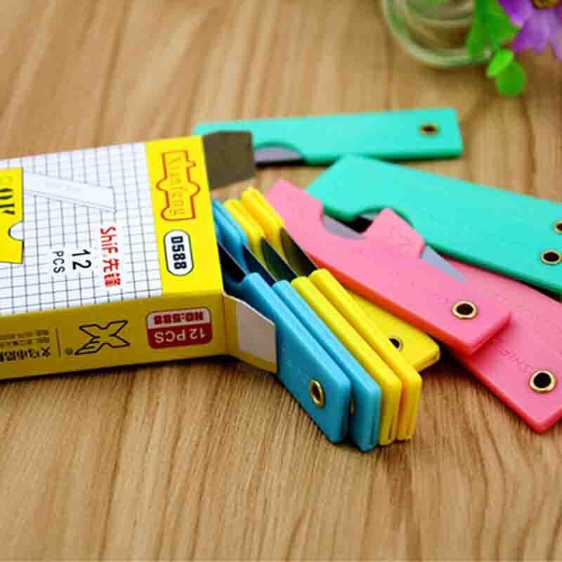 先锋D588塑料柄折叠小刀配色(单位:个)